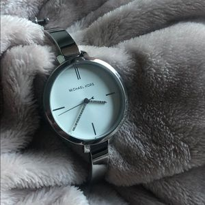 Authentic MK watch! Simple and elegant